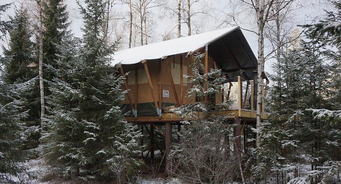 Safari tent Wood in snow