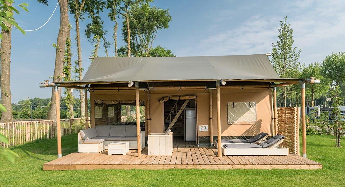 Safari tent lodge