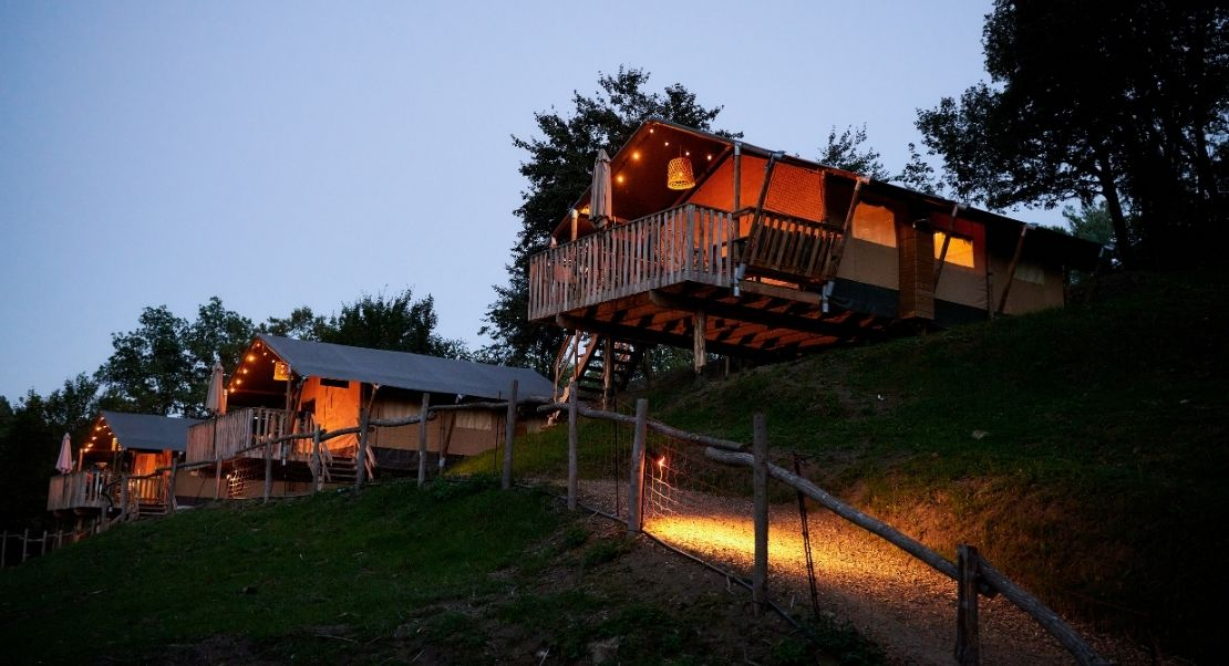Glamping Rancone Lodges Outstanding